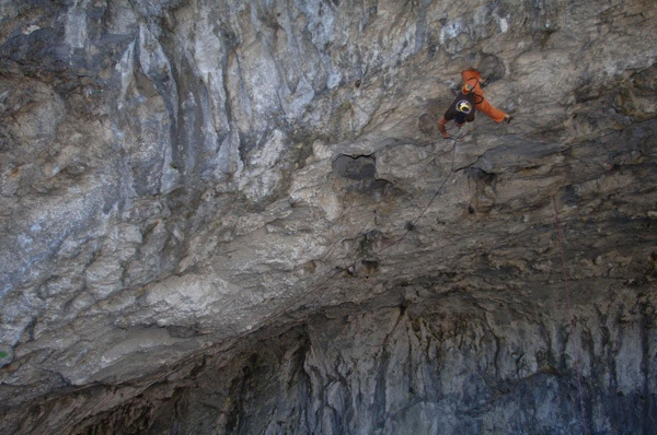 Stevie Haston on Descente Lolitta 9a, Grotte de Sabart, Ariege, France, Laurence Goualt Haston