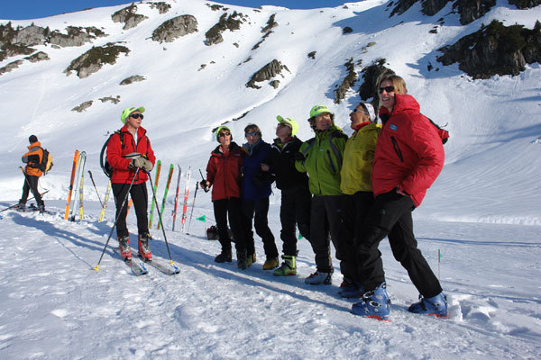 Pierra Menta volunteers enjoying the sun., Lorenzo Scandroglio