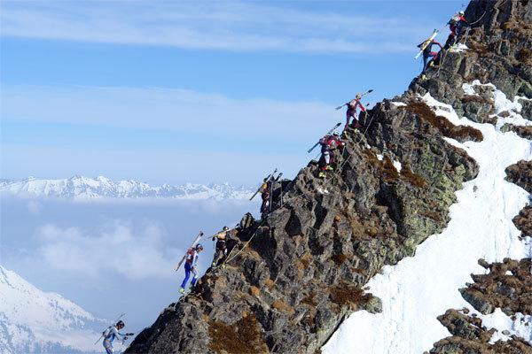 I competiteur della Pierra Menta 2007 sulla cresta finale del Grand Mont,durante la terza tappa., Lorenzo Scandroglio