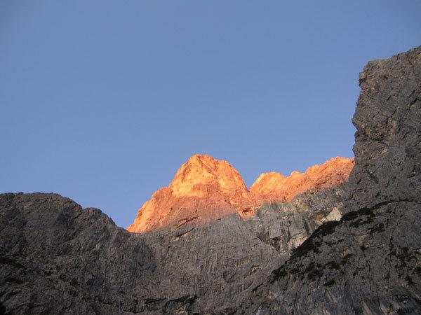primi raggi di sole sul Sass Maor, arch. R. Scarian