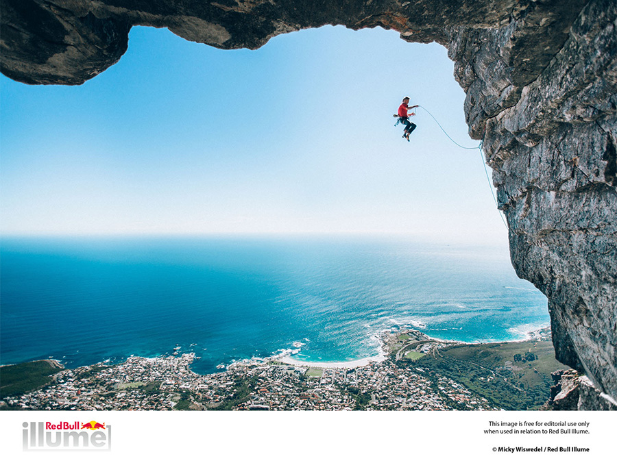 Wings - Vincitore. Jamie Smith, Cape Town, South Africa, ©  Micky Wiswedel / Red Bull Illume