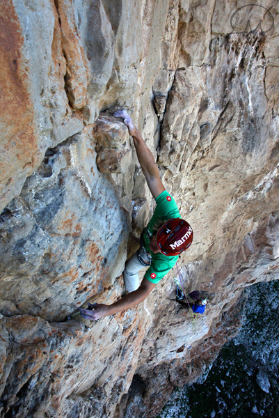 Albert Leichtfried making the first ascent of La lingua pura (7c, 200m), Monte Monaco, Sicily, Italy., Klaus Kranebitter