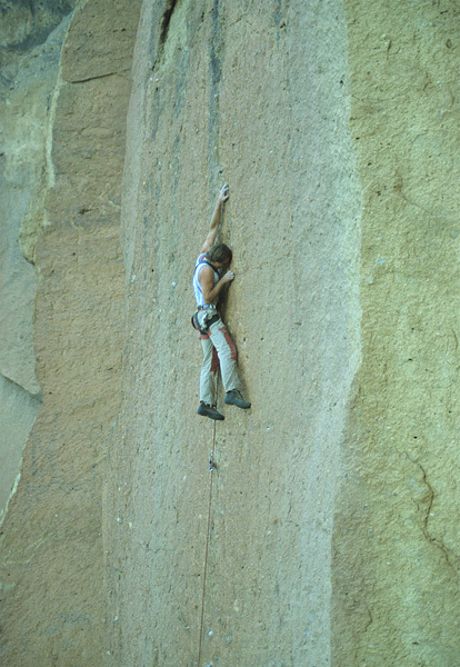 Alan Watts su Totts (5.12b) nel 1982, Smith Rock, USA, Alan Watts archive