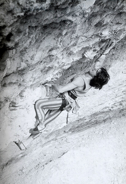 Sandro Neri in a historic photo dating back to 1987: climbing Tucson 8a+ at Erto, Italy., archivio Rocciaviva