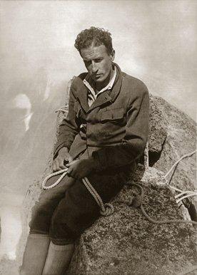 Giusto Gervasutti  in cima al Requin - Monte Bianco, Chamonix, arch. Gervasutti
