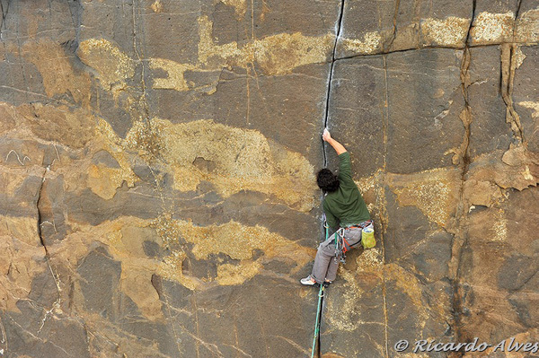 "Rui Rosado, one of the most active new routers, on ""Crash e aparece"", 7b, Casal Pianos, Portugal, Ricardo Alves"