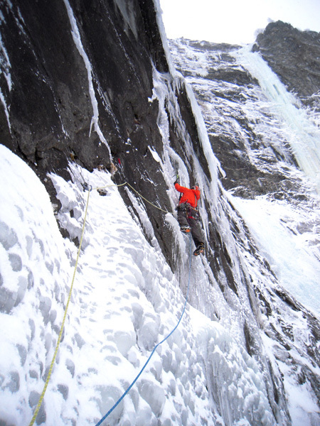 Albert Leichtfried tackling pitch 2 on Centercourt (300m, WI7+), Gasteinertal, Austria
