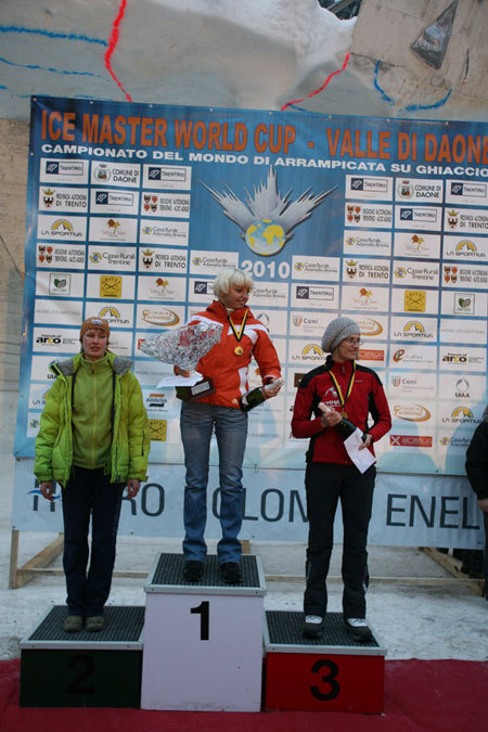 Female podium of the second stage of the Ice World Cup 2010 in Daone, Im Duc Young