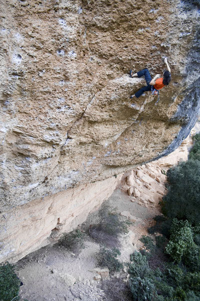 Josune Bereziartu on-sighting Sativa patetica 8a, Margalef, Bereziartu collection