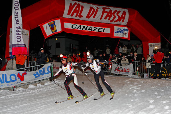 Annemarie Gross and Maddalena Weger, first female team to cross the finishing line of the XV Sellaronda Skimarathon, www.newspower.it