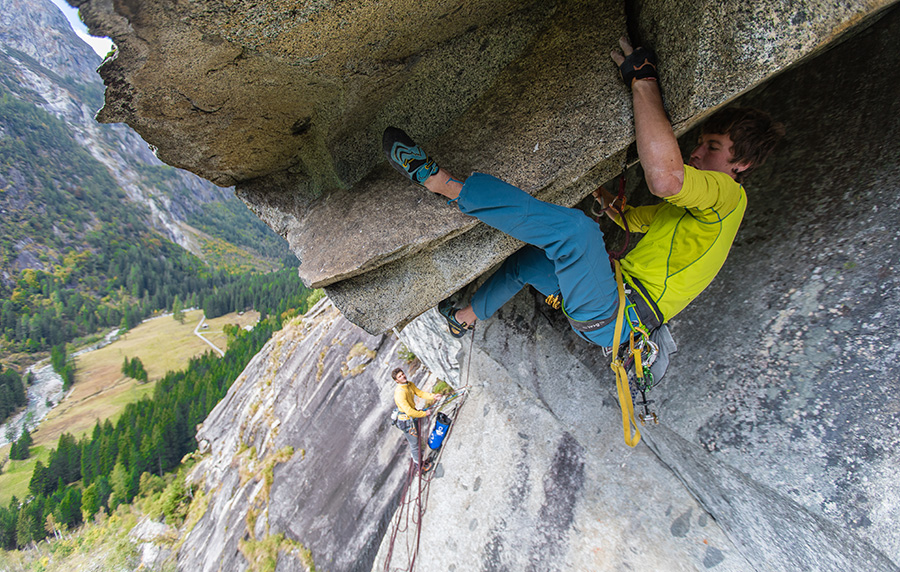 Silvestro Franchini climbing through the roof on pitch 3 of Fessura del Caret in Val di Genova Matteo Pavana