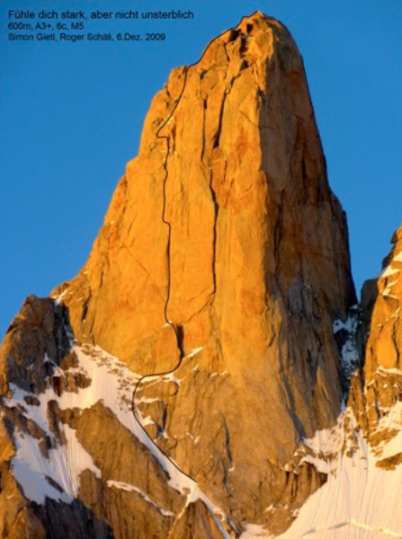 Fühle dich stark, aber nicht unsterblich, VII, A3, M5, 600m,  Aguja Poincenot (3036m), Patagonia. First ascent Simon Gietl & Roger Schäli 12/2009, arch Gietl