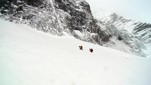 Schach Matt - Gran Zebrù. (3851m), parete nord, 1000m M10+ WI5 55°. Florian e Martin Riegler, inverno 2010., Eduardo Gellner