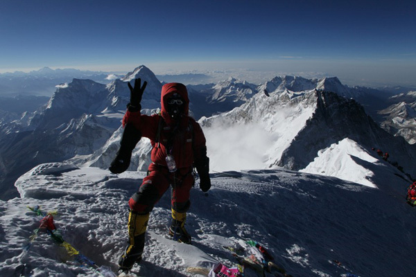 Simone Moro on the summit of Everest, Simone Moro