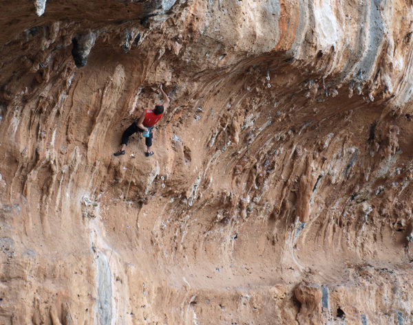 New crag in Sicily, with more than 50 routes from 4a - 8a, arch Flaccavento & Garretto