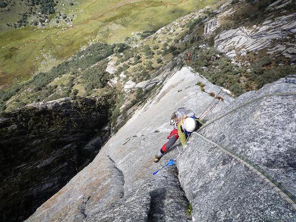 """Secondo giorno di scalata su """"El sueño de los excluidos"""" Nevado Shaqsha (5703m, massiccio dello Huantsàn, Cordigliera Blanca, Perù), www.g-prodz.com"""