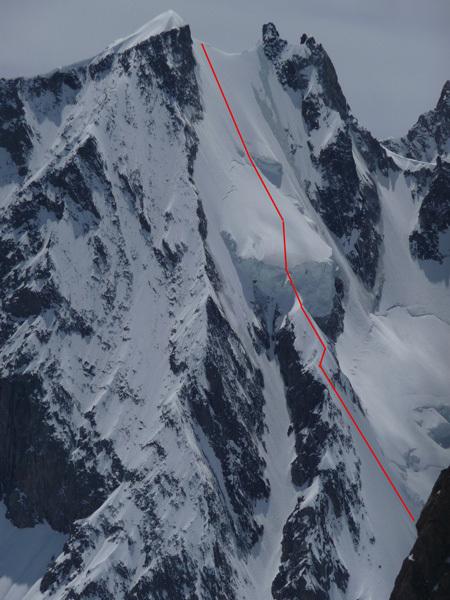The route line of Grivel - Chabod, Aig. Blanche de Peuterey, Mont Blanc, arch Rolli
