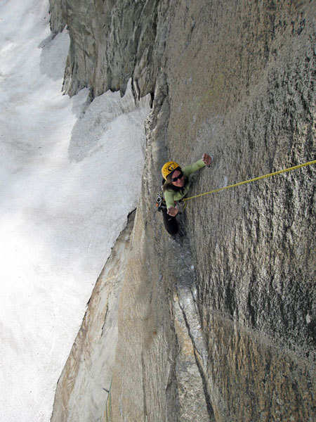 Giovanna Mongilardi on the traverse of Mares, Matteo Giglio