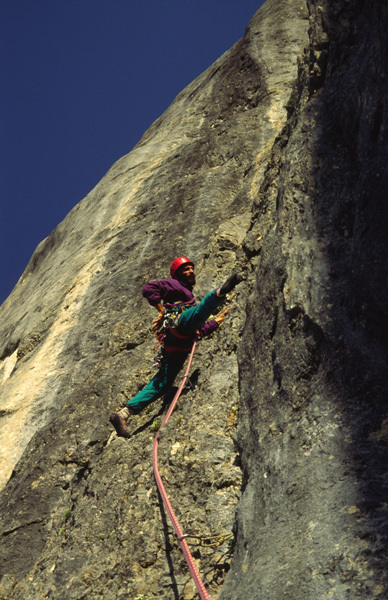 40 anni rifugio Falier, Marmolada, Dolomiti. Igor Koller nel 1983 sul quarto tiro, arch Igor Koller