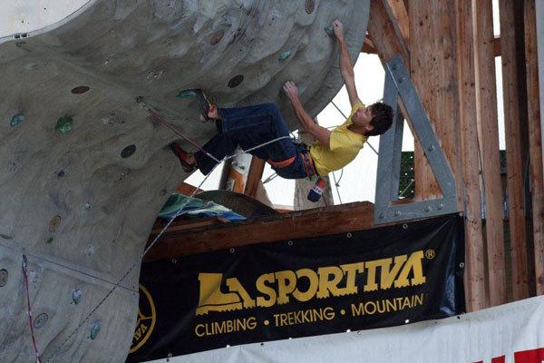 Patrik Daberto, secondo a Campitello di Fassa nel Campionato italiano di arrampicata sportiva 2010 delle Guide Alpine, arch. Val di Fassa Climbing