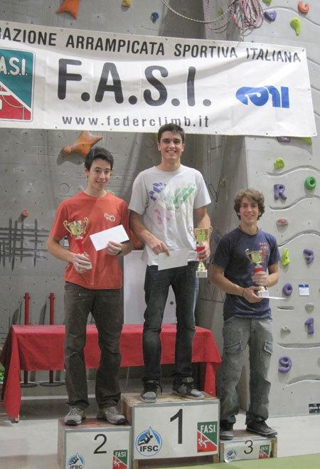 Podio Maschile della 4a tappa della Coppa Italia Boulder con Caminati, Ceria, Ghisolfi, arch. FASI