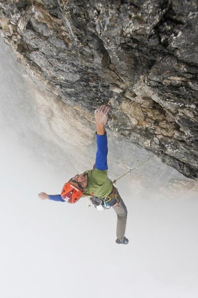 Matthias Trottmann sale Piz Dal Nas (8b, 500m), Titlis, Svizzera, Klaus Kranebitter
