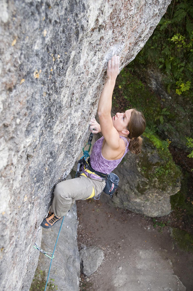 Sarah Seeger redpointing Odd Fellows 8c, Frankenjura, Manuel Brunn