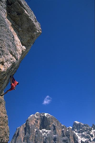 Momenti di arrampicata in Cinque Torri, arch Luca Zardini
