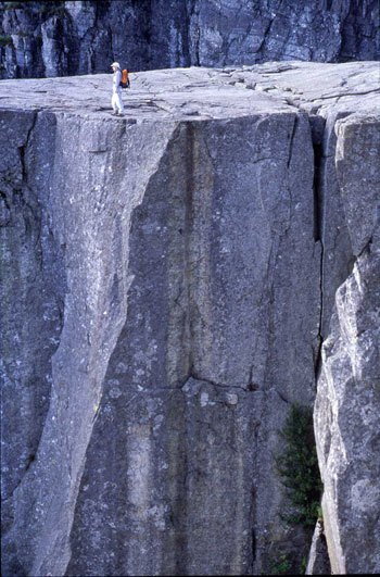I fiordi rappresentano l'essenza stessa della Norvegia, il punto di contatto tra l'entroterra montano ed il mare senza fine., Voglino - Porporato