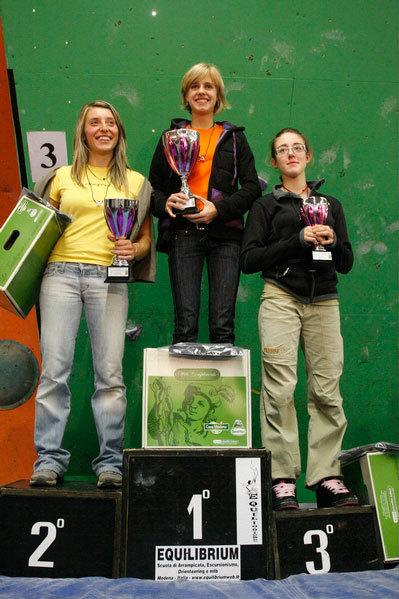 Podio femminile: Alexandra Ladurner (1°), Elena CHiappa (2°), Giada Zampa (3à), Stefano Pichi