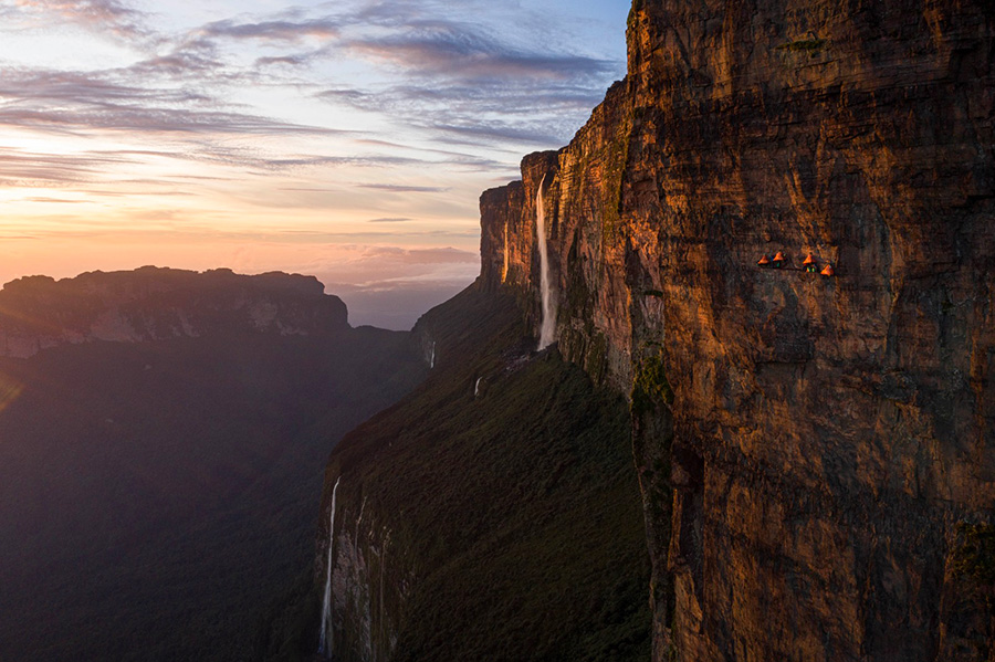 Mount Roraima: Leo Houlding making the first ascent of his new route up Mount Roraima in Guyana. Coldhouse Colllective / Berghaus