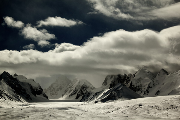 Mount Kyzyl Asker, Kyrgyzstan., visualimpact.ch Franz Walter