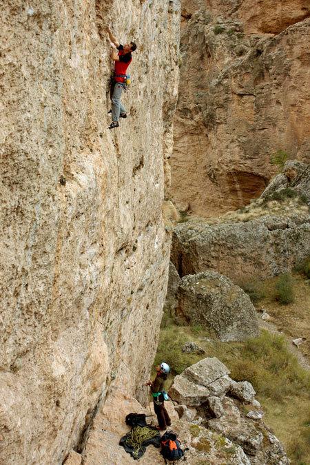 Luca Giupponi in arrampicata nella Kazikli Valley, Ince Recep