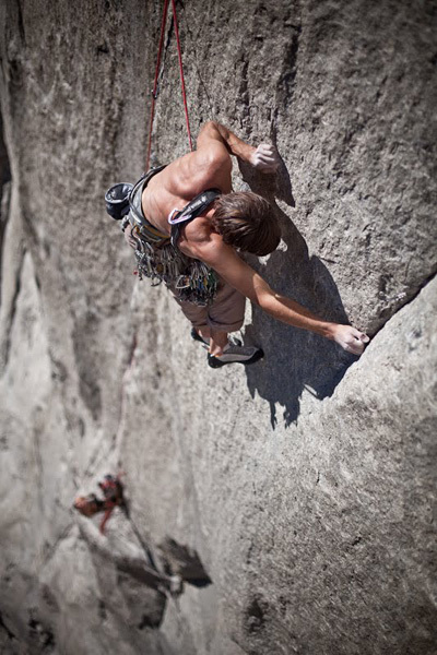 Kevin Jorgeson on the first crux of Pitch 3, November 2009 of Mescalito, El Capitan, Yosemite., Tim Kemple / Black Diamond