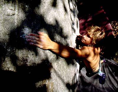 Chris Sharma bouldering at Cresciano, Roberto Fioravanti