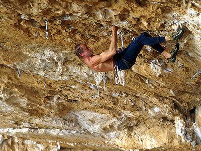 """Erri De Luca climbing """"Viaggio = infinito"""" 8b+  Grotta dell'Arenauta - Sperlonga, Fabiano Ventura"""