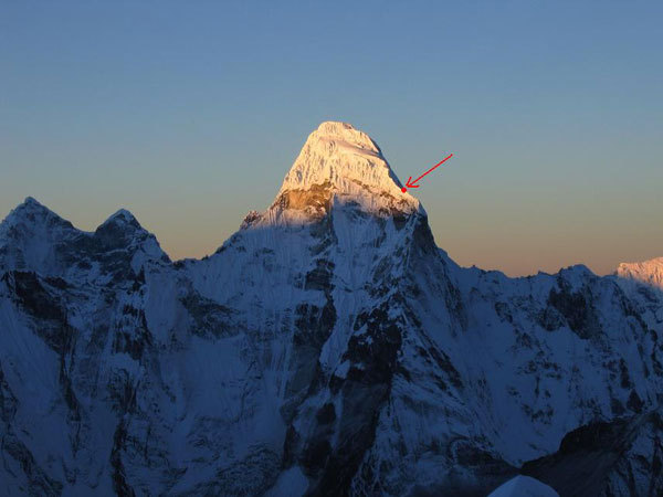 Ama Dablam (Himalaya, Nepal) and the scene of the accident where the two rescuers Sabin Basnyat and Purna Awale lost their lives., arch. Simone Moro