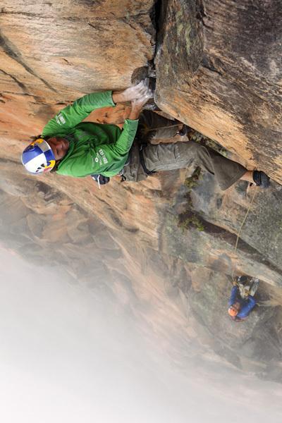 Stefan Glowacz climbing Behind the Rainbow, Roraima Tepuis, Venezuela, Klaus Fengler