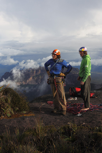 Stefan Glowacz and Holger Heuber on the summit o fRoraima Tepuis, Venezuela, Klaus Fengler