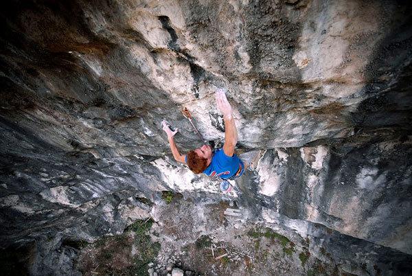 Gabriele Moroni climbing Il frutto del diavolo 8c+/9a, Andrea Pandini - Gruppo Struktura
