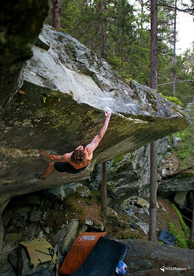 Giuliano Cameroni libera Power of now (8C/V15) a Magic Wood in Svizzera, WithPleasure