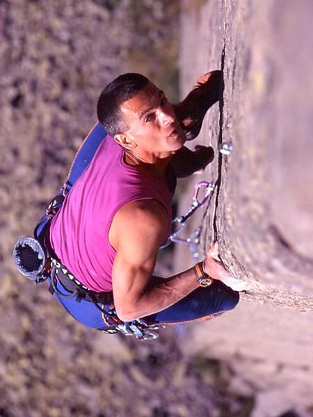 Manolo climbing 'Border Line' 8a+, Oscar Piazza