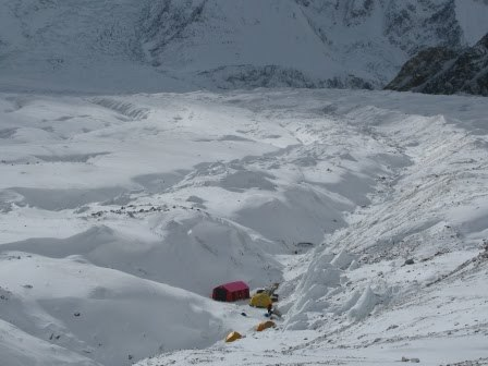 Gasherbrum II in winter: Base Camp for Simone Moro, Denis Urubko, Cory Richards, arch. S. Moro, D. Urubko