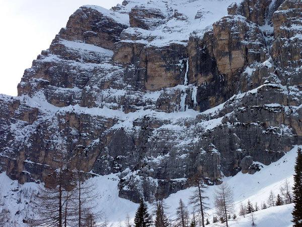 La cascata dal sentiero, arch. G. Ballico