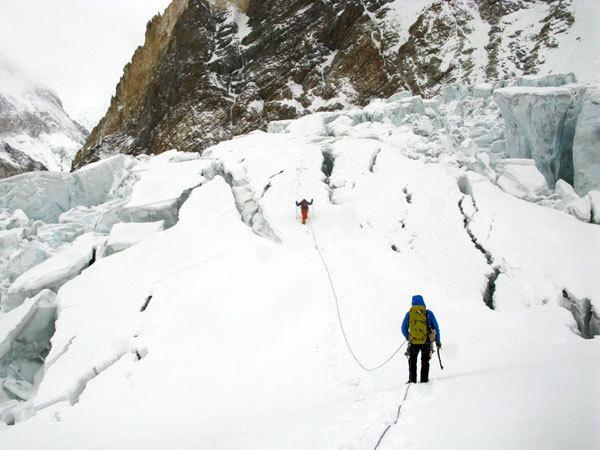 Dentro l'icefall, arch. S. Moro, D. Urubko