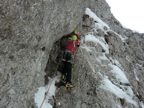 Questo Gioco Di Fantasmi, primi salitori: Barry Bona e Peter Moser (Cimon di Palantina 2190m, Gruppo Col Nudo - Cavallo), arch. B. Bona - P. Moser