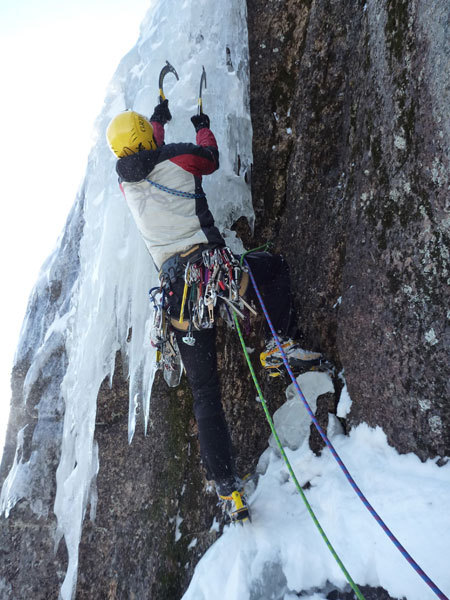 Remission L2, Cathedral ledge, North Conway, New Hampshire USA, arch. Canada Team
