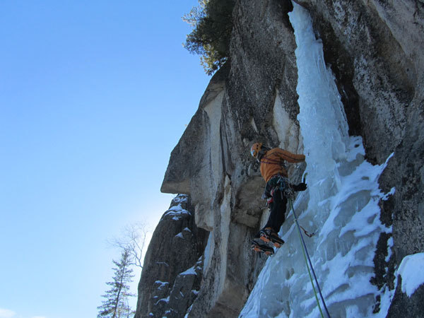 Remission L3, Cathedral ledge, North Conway, New Hampshire USA, arch. Canada Team
