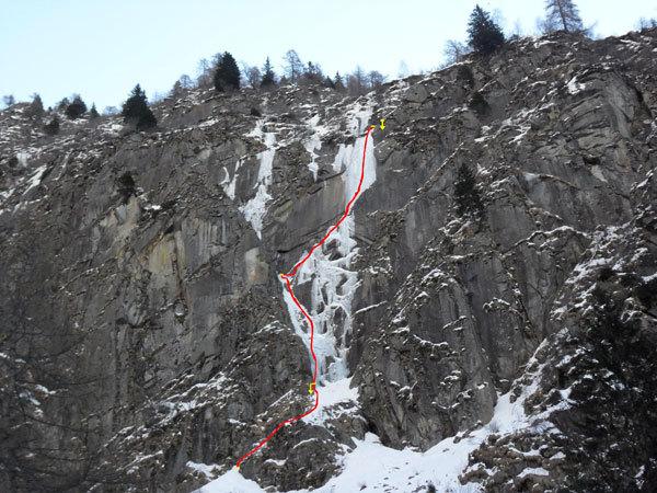 Aerofagia - Il piccolo scozzese (III WI 4+°, 115m), Val di Saviore/Val Adamè, Gruppo Adamello-M.te Fumo., arch. Damioli, Rivadossi