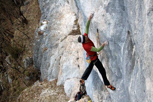 Manolo su Eroi fragili 30m 8c, Val Noana, Pale di San Martino, Cristina Zorzi